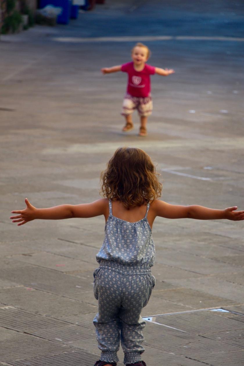 Die Kinder sind total happy. Ich bin es auch, weil das hier einfach so schön ist.